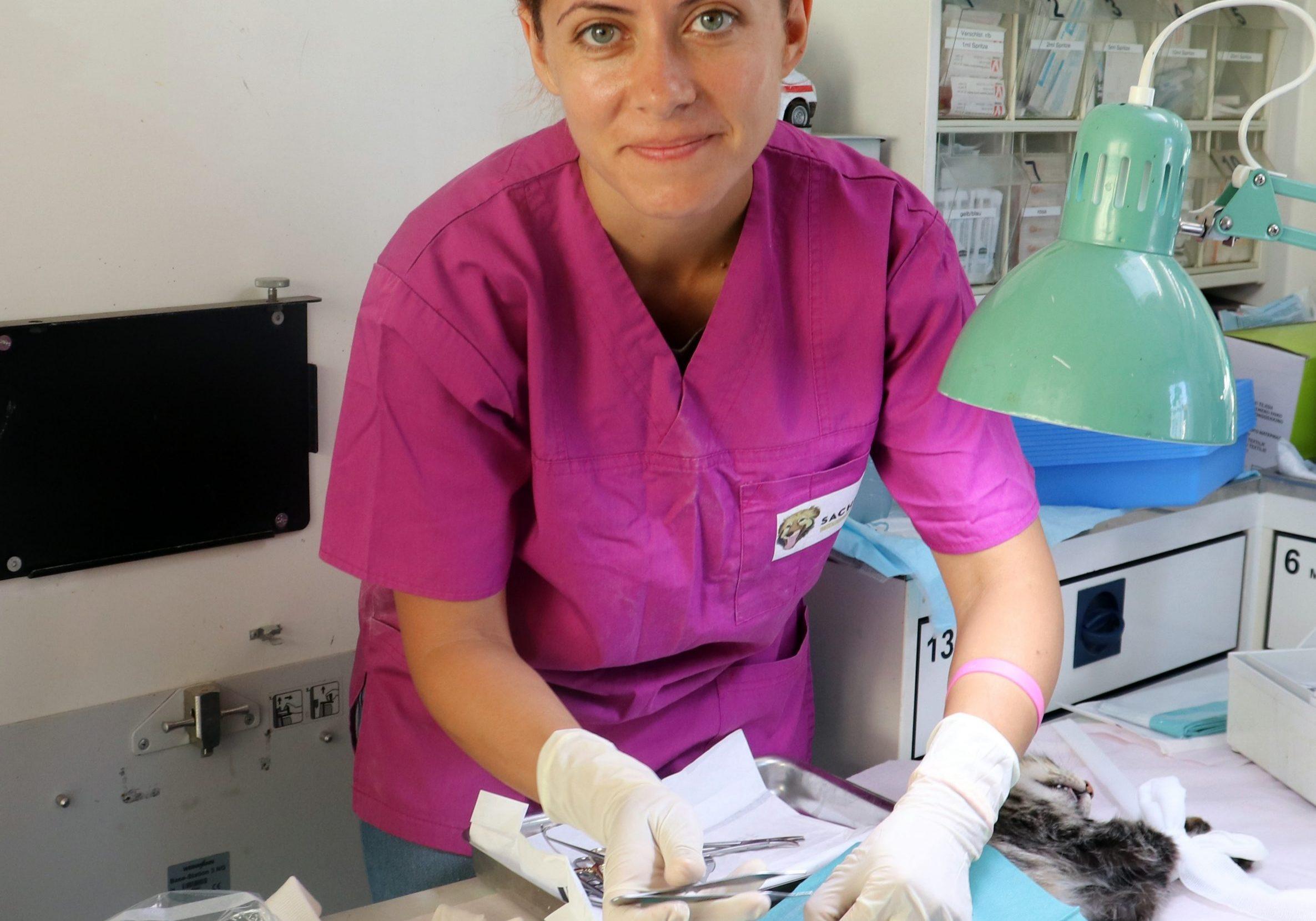 dr. Andreea Conicescu